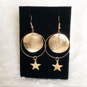 4/$25⬇️$25 Gold Star Textured Dangle Drop Earrings